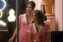 Mandy Musgrave and Hallee Hirsch in 16 to Life