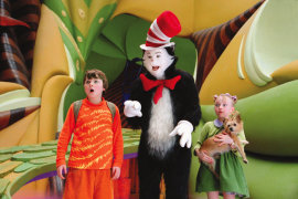 Spencer Breslin, Mike Myers, and Dakota Fanning in Dr. Seuss' The Cat in the Hat