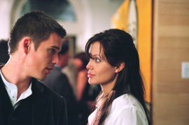 Ethan Hawke and Angelina Jolie in Taking Lives