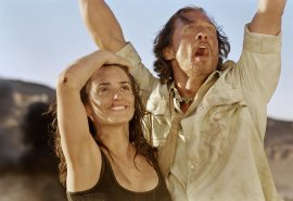 Penelope Cruz and Matthew McConaughey in Sahara