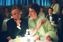 Toby Jones and Sigourney Weaver in Infamous
