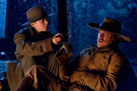 Hailee Steinfeld and Matt Damon in True Grit