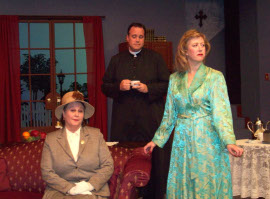 Vicki Deusinger, Mike Kelly, and Jaci Weigandt in See How They Run