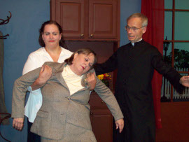 Lisa Kahn, Vicky Deusinger, and Tom Betts in See How They Run