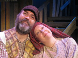 Marc Ciemiewicz and Rachelle Walljasper in Fiddler on the Roof