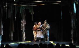 Robert Rice, Carly Berg, and Caleb Jernigan in The Wizard of Oz