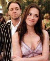 Russell Crowe and Marion Cotillard in A Good Year