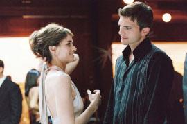 Amanda Peet and Ashton Kutcher in A Lot Like Love