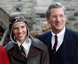 Hilary Swank and Richard Gere in Amelia