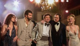 Amy Adams, Bradley Cooper, Jeremy Renner, Christian Bale, and Jenifer Lawrence in American Hustle