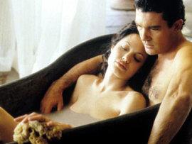 Angelina Jolie and Antonio Banderas in Original Sin