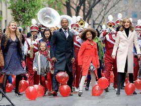 Cameron Diaz, Jamie Foxx, Quvenzhane Wallis, and Rose Byrne in Annie