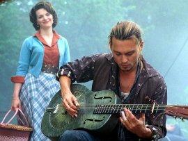 Juliette Binoche and Johnny Depp in Chocolat