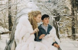 Tilda Swinton and Skandar Keynes in The Chronicles of Narnia: The Lion, the Witch, & the Wardrobe
