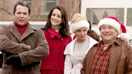 Matthew Broderick, Kristin Davis, Kristen Chenoweth, and Danny DeVito in Deck the Halls