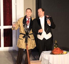 James Thompson and Jonathan Schrader in Die Fledermaus