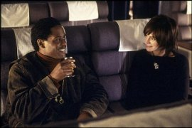 Blair Underwood and Julia Roberts in Full Frontal