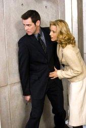 Jim Carrey and Tea Leoni in Fun with Dick & Jane