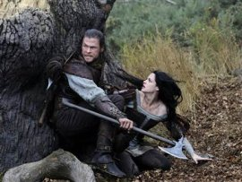 Chris Hemsworth and Kristen Stewart in Snow White & the Huntsman