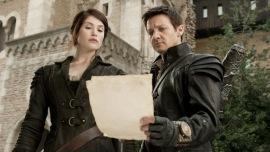 Gemma Arterton and Jeremy Renner in Hansel & Gretel: Witch Hunters