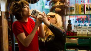 Dakota Johnson and Rebel Wilson in How to Be Single