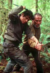 Benicio del Toro and Tommy Lee Jones in The Hunted