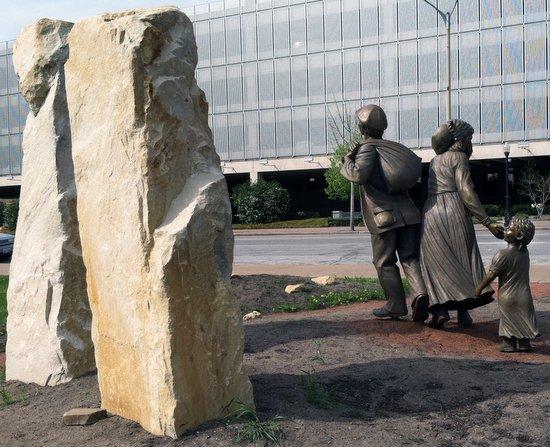 Irish memorial. Photo by Bruce Walters.