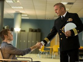 Chris Pine and Kevin Costner in Jack Ryan: Shadow Recruit