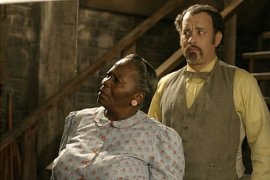 Irma P. Hall and Tom Hanks in The Ladykillers