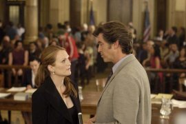Julianne Moore and Pierce Brosnan in Laws of Attraction