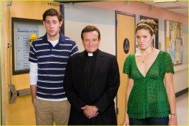 John Krasinski, Robin Williams, and Mandy Moore in License to Wed