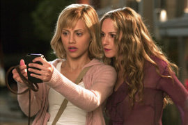 Brittany Murphy and Holly Hunter in Little Black Book