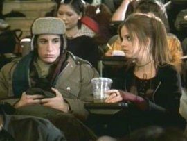 Jason Biggs and Mena Suvari in Loser