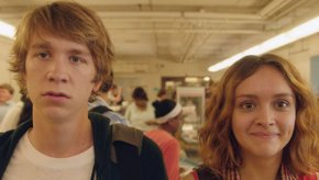 Thomas Mann and Olivia Cooke in Me & Earl & the Dying Girl
