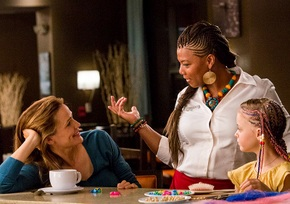 Jennifer Garner, Queen Latifah, and Kylie Rogers in Miracles from Heaven