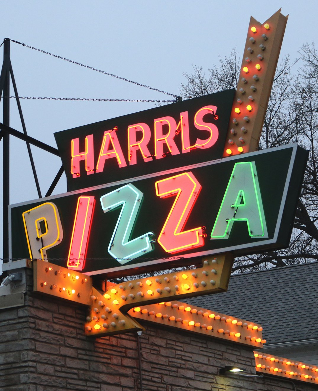 The Harris Pizza sign in west Davenport. Photo by Bruce Walters.