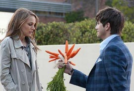 Natalie Portman and Ashton Kutcher in No Strings Attached