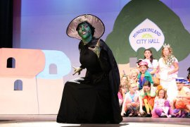 Hannah Kurth in The Wizard of Oz