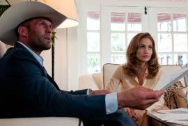 Jason Statham and Jennifer Lopez in Parker