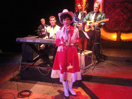 Tristan Tapscott, Danny White, Heather Beck, Justin Droegemueller, and Dave Maxwell in A Closer Walk with Patsy Cline
