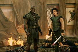 Adewale Akinnuoye-Agbaje and Kit Harington in Pompeii