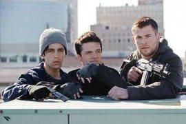 Josh Peck, Josh Hutcherson, and Chris Hemsworth in Red Dawn