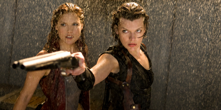 Ali Larter and Milla Jovovich in Resident Evil: The Final Chapter