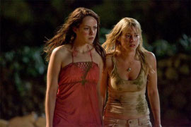 Jena Malone and Laura Ramsey in The Ruins