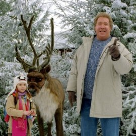 Liliana Mumy and Tim Allen in The Santa Clause 2