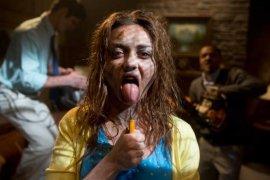 Sarah Hyland in Scary Movie V