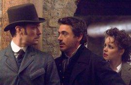Jude Law, Robert Downey Jr., and Rachel McAdams in Sherlock Holmes