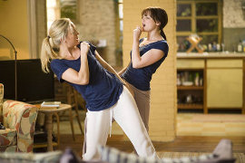 Kate Hudson and Ginnifer Goodwin in Something Borrowed