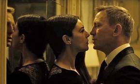 Monica Bellucci and Daniel Craig in Spectre