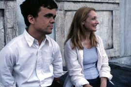Peter Dinklage and Patricia Clarkson in The Station Agent